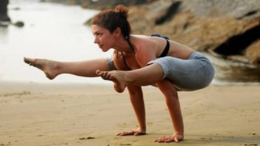 Eefa Shroff: Ace Yoga Instructor